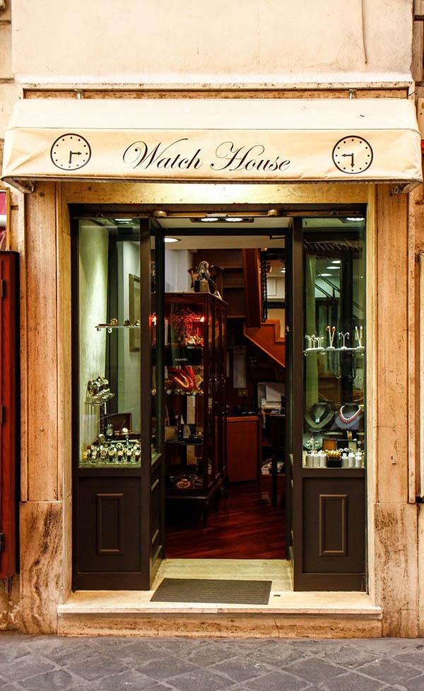 watch_house_nuovo_negozio